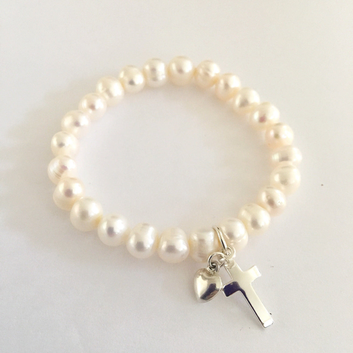 BRACELET - FRESHWATER PEARL WITH CHARMS