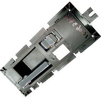 GM1352121 DRIVER SIDE FRONT INNER DOOR HANDLE- INCLUDES HOUSING- WITH BLACK LEVER
