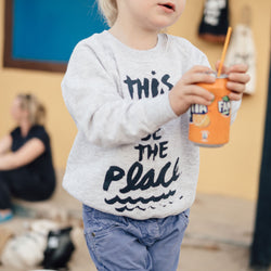 "Kinder Sweatshirt ""This must be the place"" 