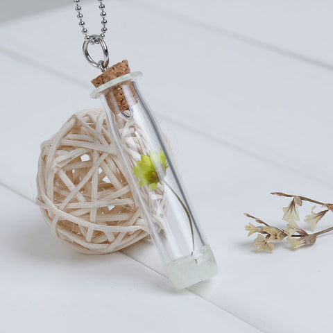 Glow Dried Flower Necklace