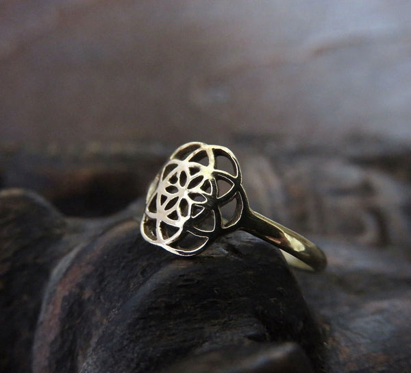 Ring mit dem Motiv Seed of Life aus Messing