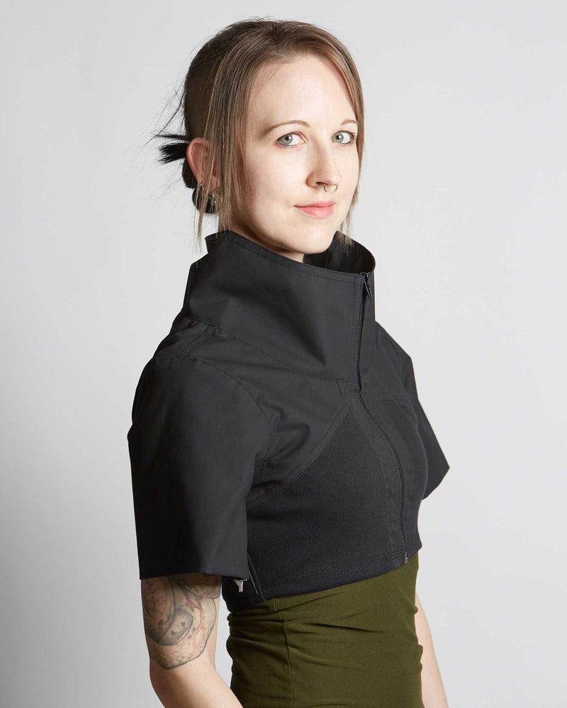 products/Legion_Crop_Jacket_oblique_right_zipped.jpg