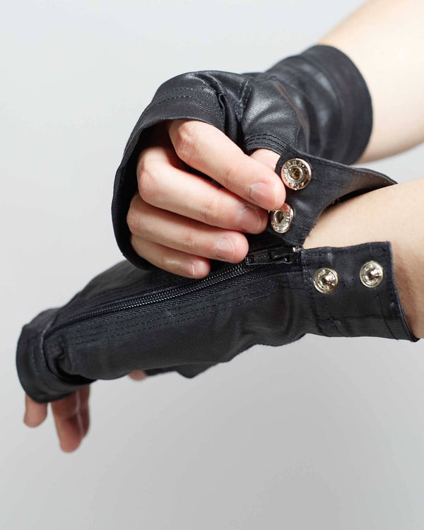 unique streetwear style gloves with cyberpunk style
