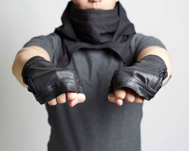 products/Trace_MKIII_Gloves_front_fists.jpg