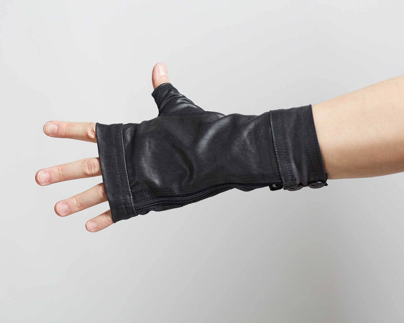products/Trace_MKIII_Gloves_top_detail_alt.jpg