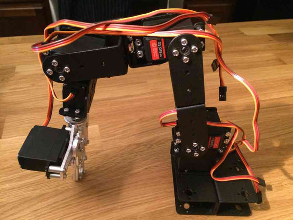 Nunchuk Controlled SainSmart 6-Axis Robotic Arm with Arduino