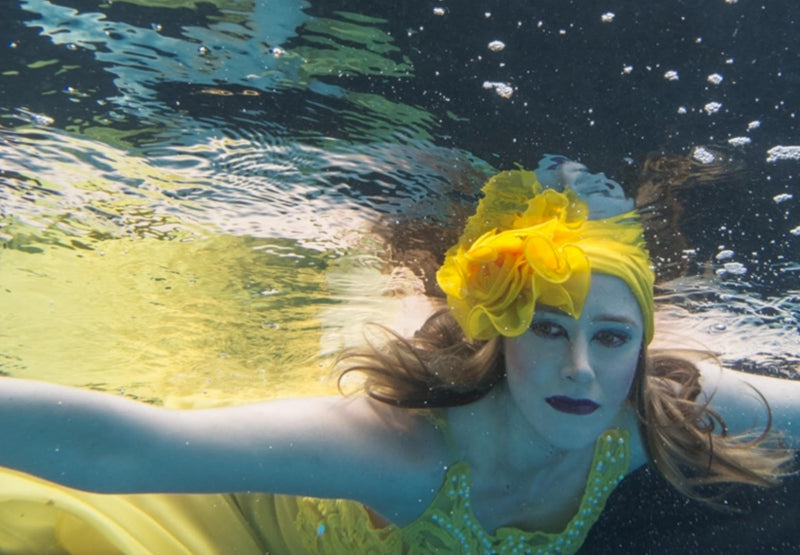 Modest Fashion Mall dives underwater