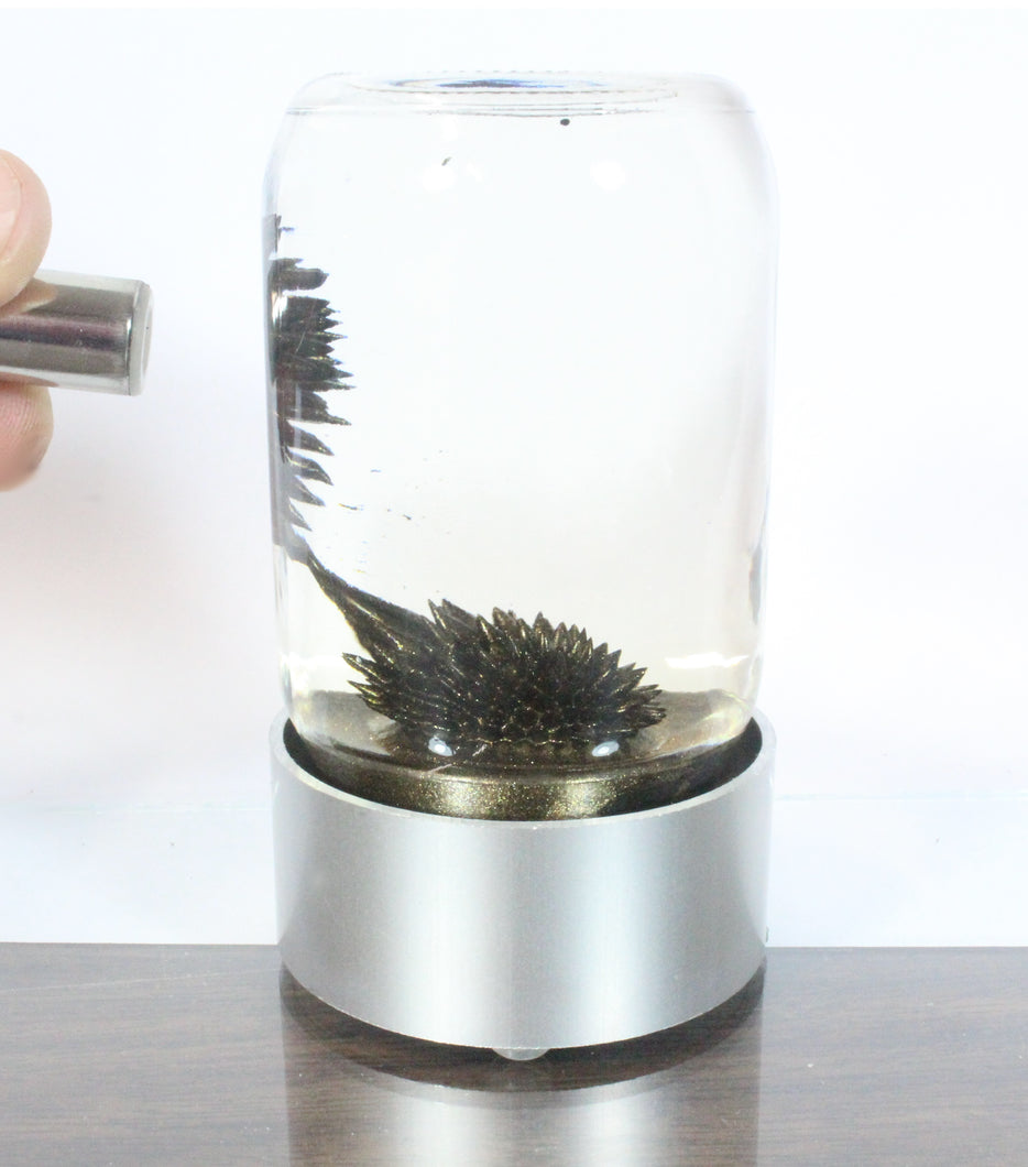 SPIKE ferrofluid display (Gold ferrofluid)