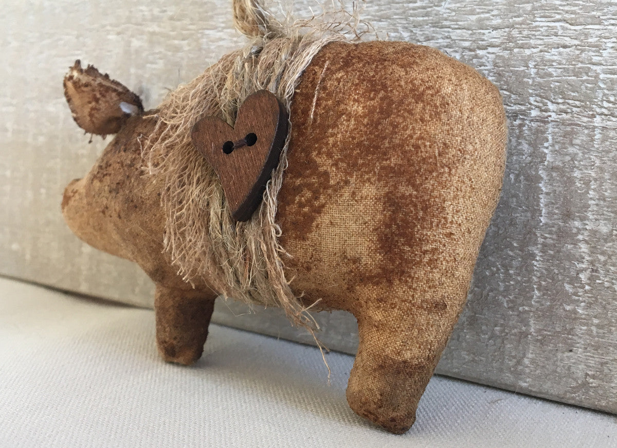 rustic pig decor