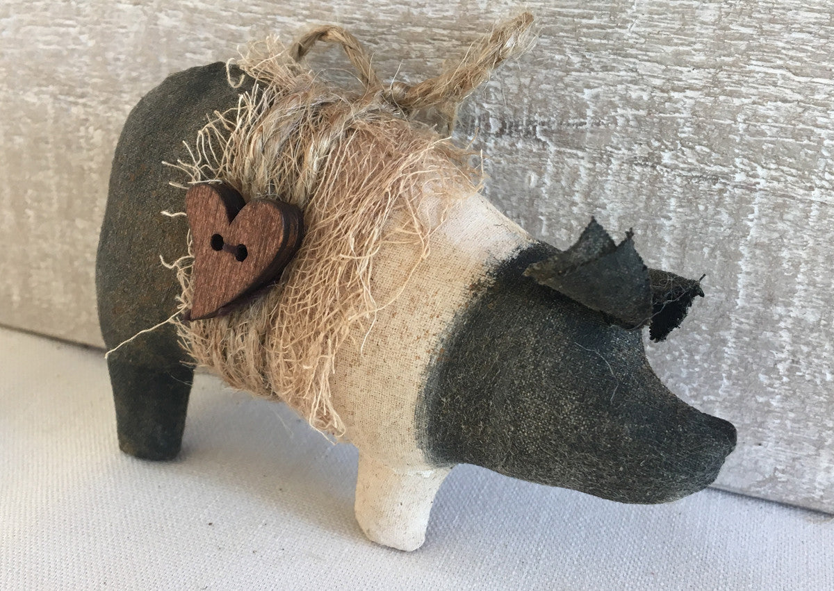 Primitive Hampshire Pig Ornament - Black and Tan Pig