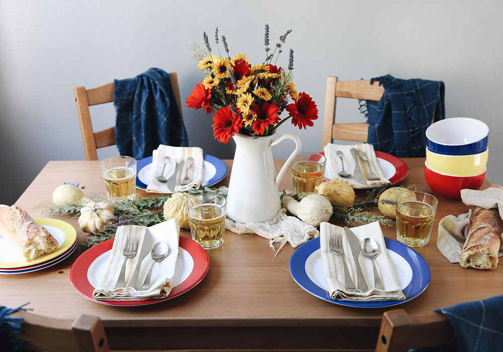 Best Friendsgiving Table Setting | Q Squared Melamine