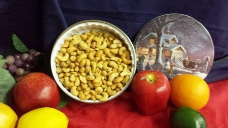 Roasted & Salted Cashews American Winter Tin