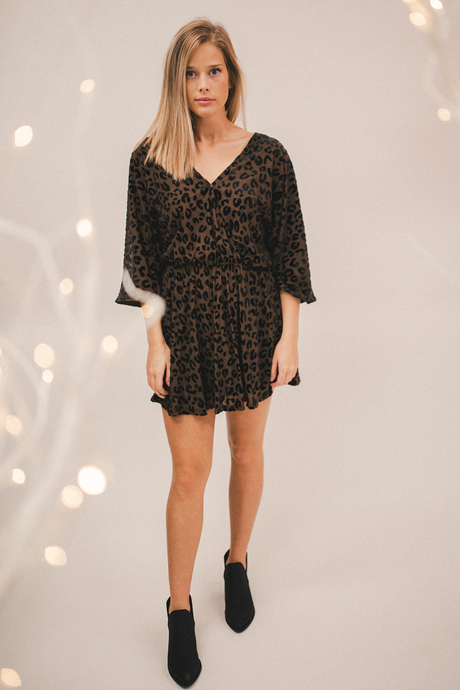 BUDDY LOVE: WHITNEY LONG SLEEVED VELVET BURNOUT MINI DRESS-MOCHA