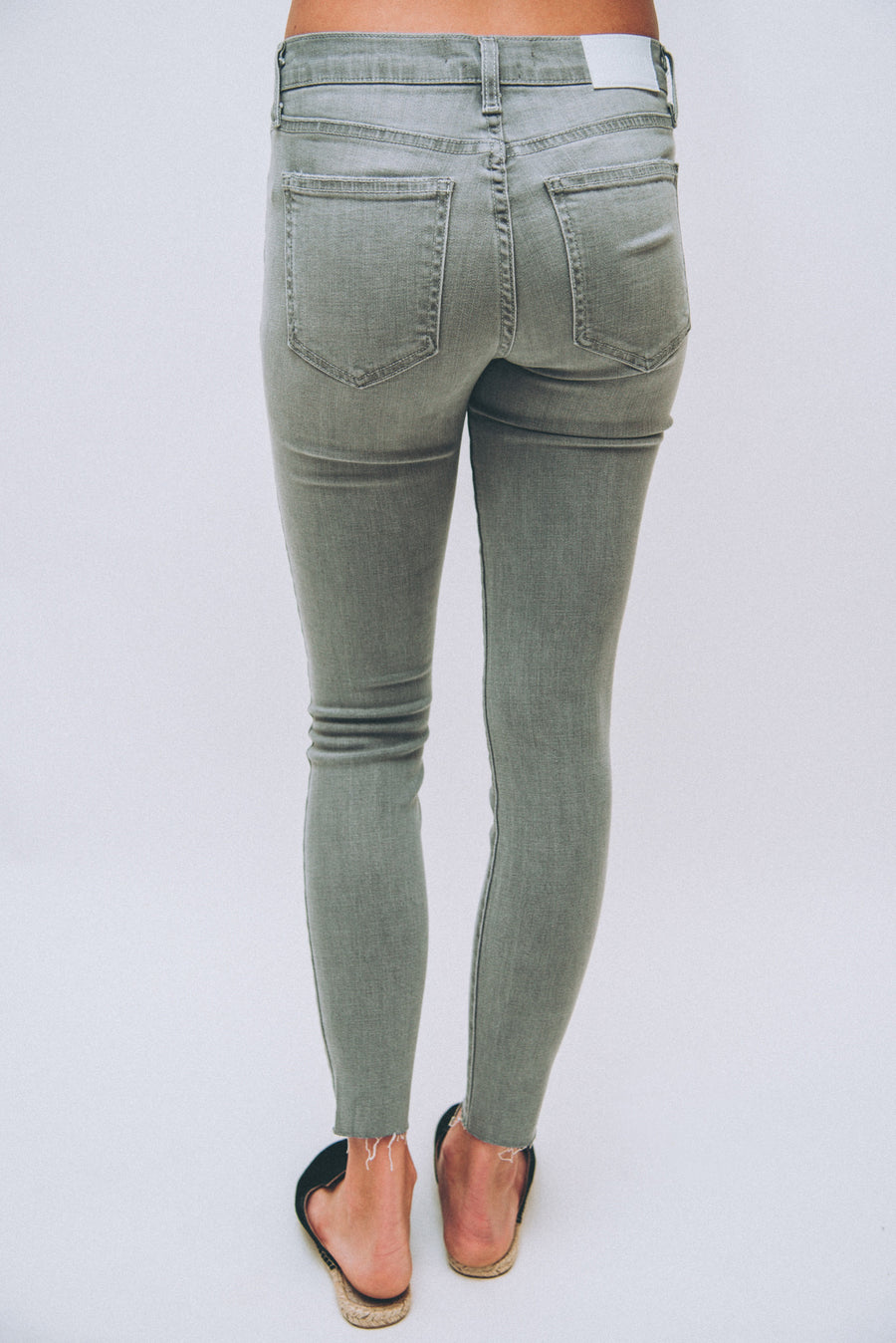 PISTOLA: AUDREY MID RISE SKINNY-ASH GREY