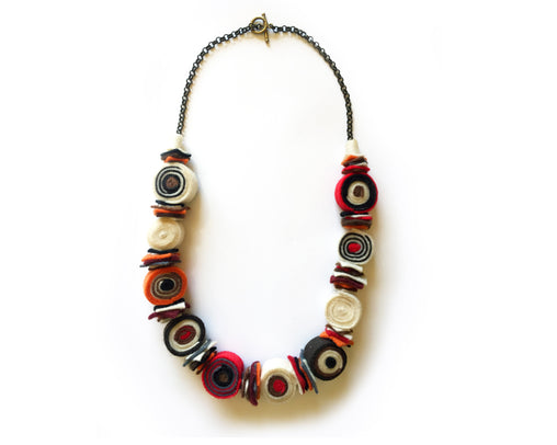 Jewellery - Felt necklace - Red, orange and brown