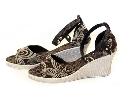Shweshwe Low Wedges - Brown Floral