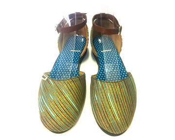 Flat Closed Sandals - Golden Stripes