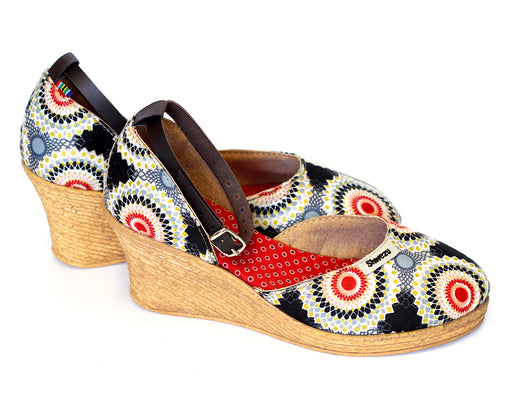 African Queen Low Wedges - Diamond circles