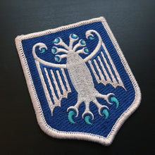 Load image into Gallery viewer, Elder Thing Antarctic variant heraldic shield embroidered patch by Monsterologist