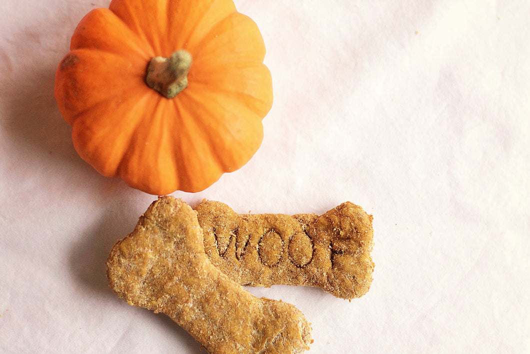 Pumpkin Dog Cookies (one dozen)