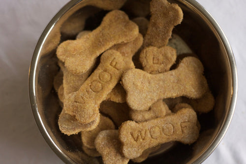 Chicken Broth Dog Cookies (one dozen)