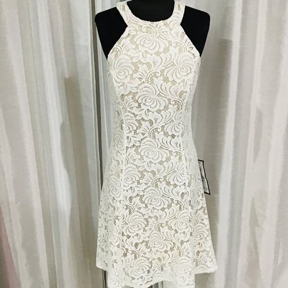 BOUTIQUE Short White & Nude Lace Gown Size 11 NWT