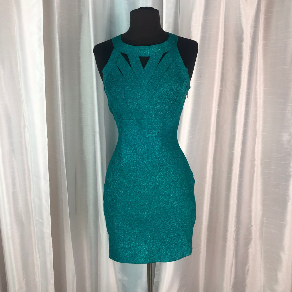 Boutique Short Form Fitting Gown Size M