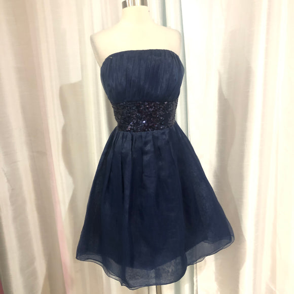 BOUTIQUE Short Navy Strapless Gown Size 16