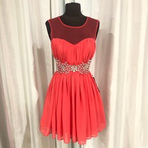 BOUTIQUE Short Coral Gown Size 9/10 NWT