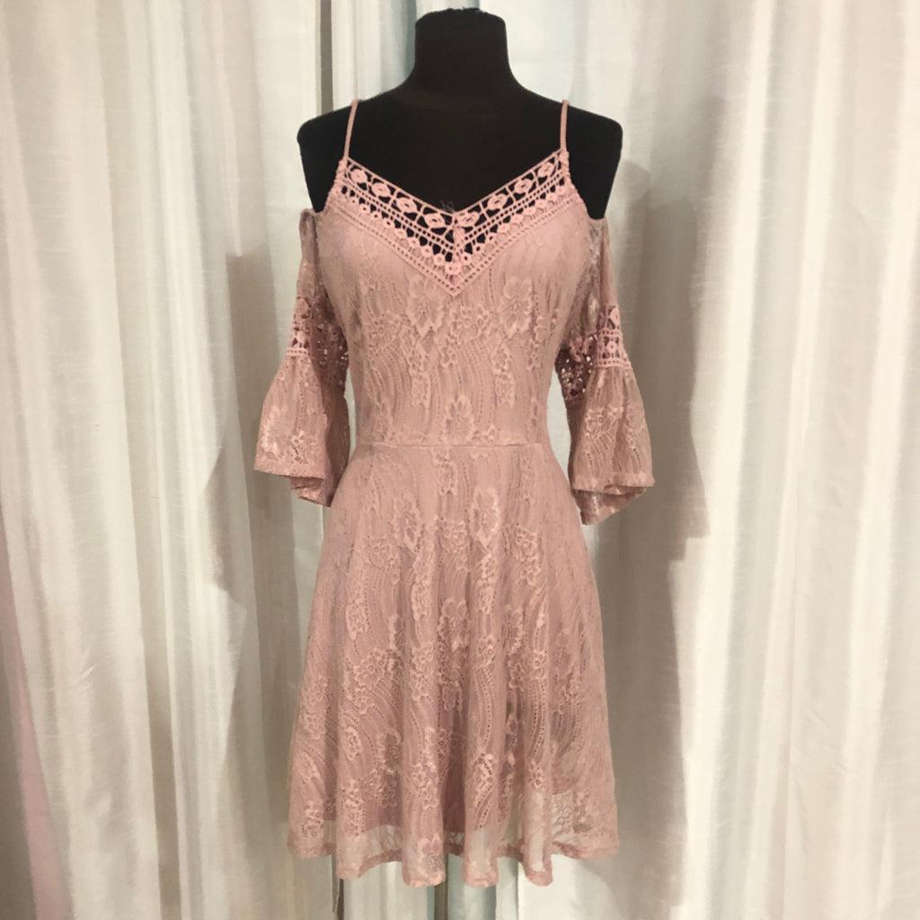 BOUTIQUE Short Blush Lace Gown Size 15