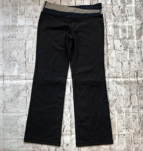 LULULEMON SIZE 12 REG BOOT CUT PANTS