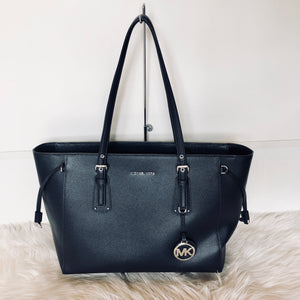 MICHAEL KORS MEDIUM VOYAGER
