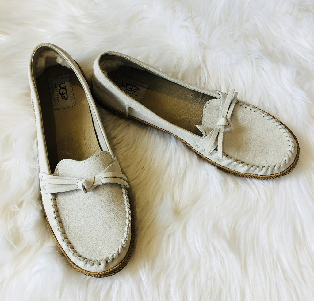 UGG NEW IN BOX  Amila Moccasin Size 9.5