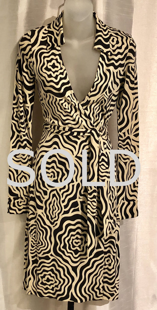 DIANE VON FURSTENBERG VINTAGE  New Jeanne Wrap Dress