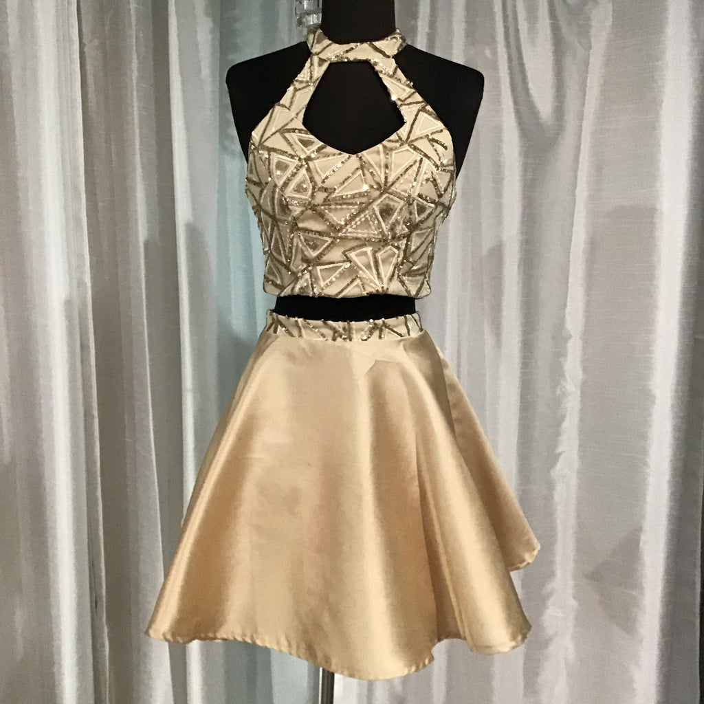 BOUTIQUE 2-PIECE GOLD SHORT GOWN SIZE 1