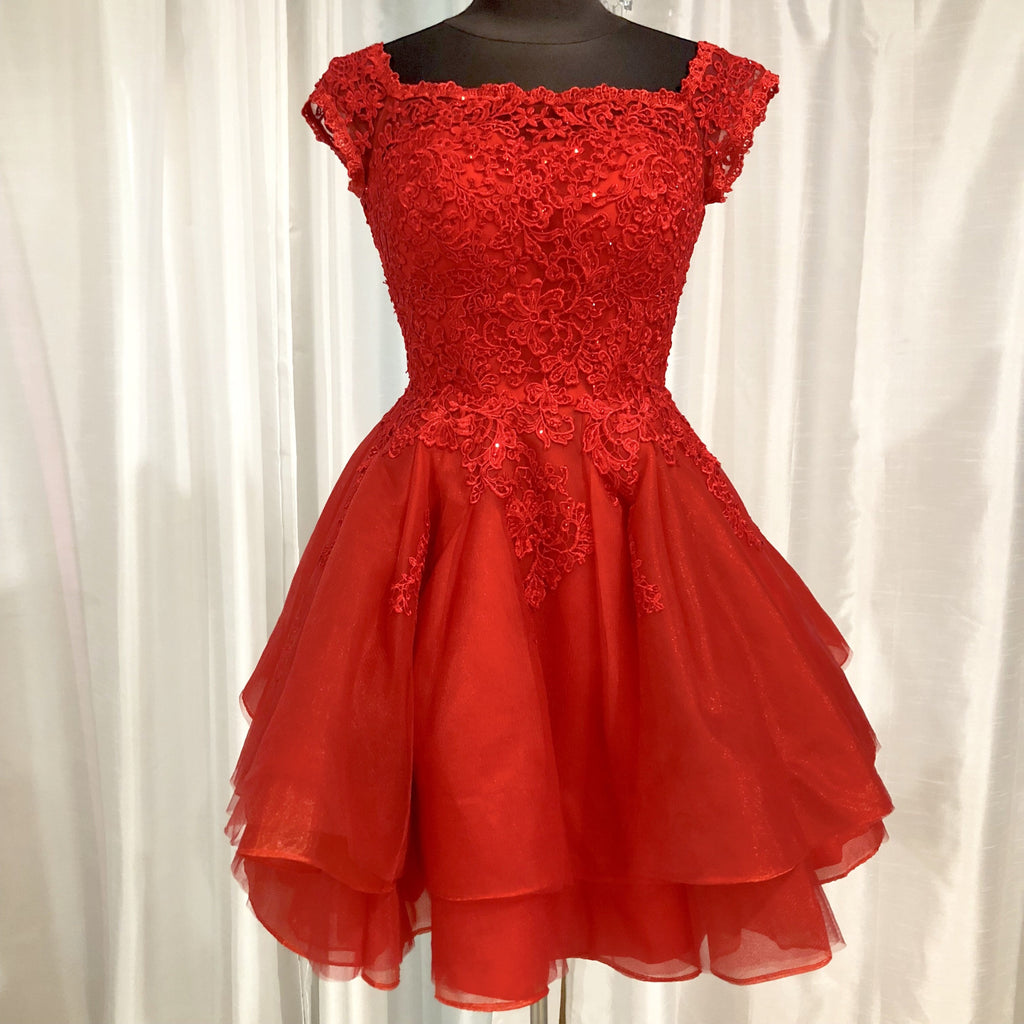 ELLIE WILDE Short Red Off The Shoulder Gown Size 0