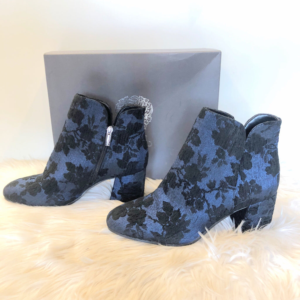 VINCE CAMUTO NEW SIZE 9 BOOTIES
