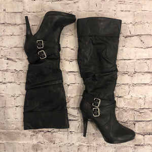 BOUTIQUE KNEE HIGH BOOTS WITH BUCKLE SIZE 9.5