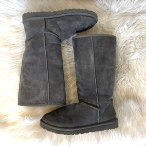 UGG Australia Classic Tall Boot Size 9
