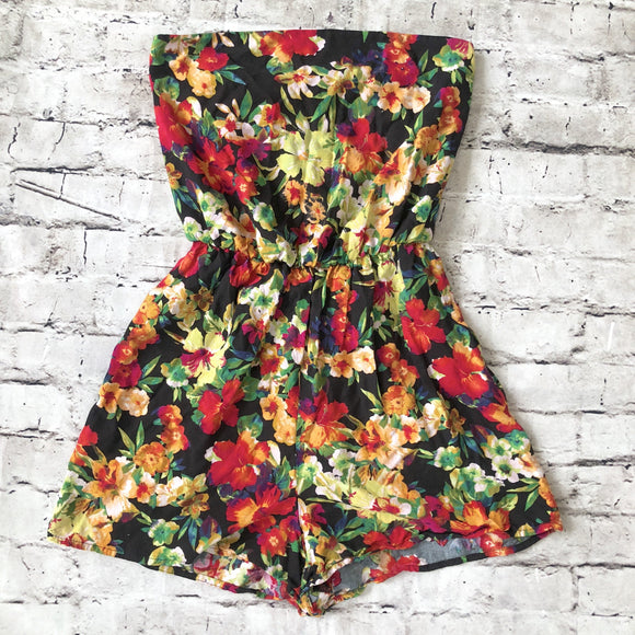 BOUTIQUE Strapless Multi-Color Floral Print Romper Size XS