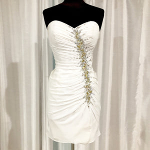 TONY BOWLS Short White Form Fitting Gown Size 4