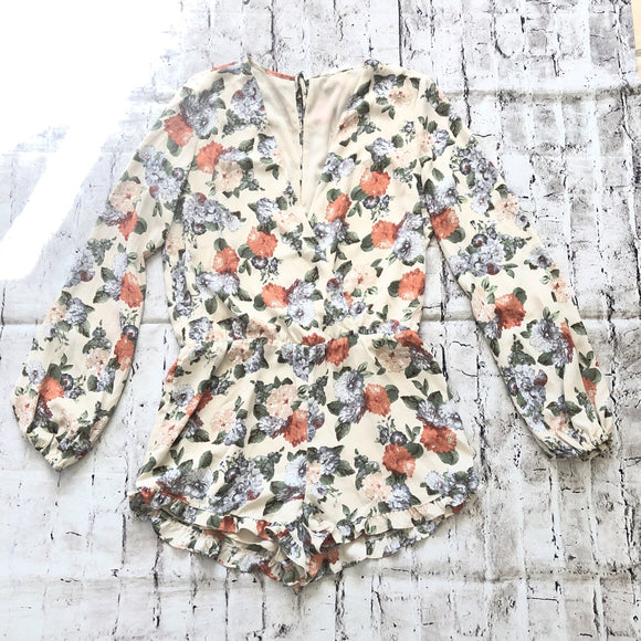 BOUTIQUE Long Sleeve Floral Romper Size L