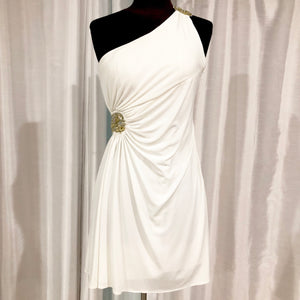 HAILEY LOGAN By ADRIANNA PAPELL Short White Gown Size 3/4