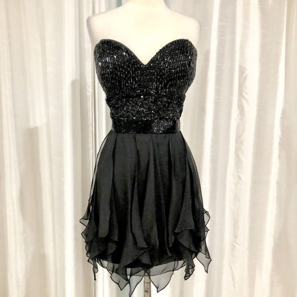 SHERRI HILL Short Strapless Black Gown Size 18