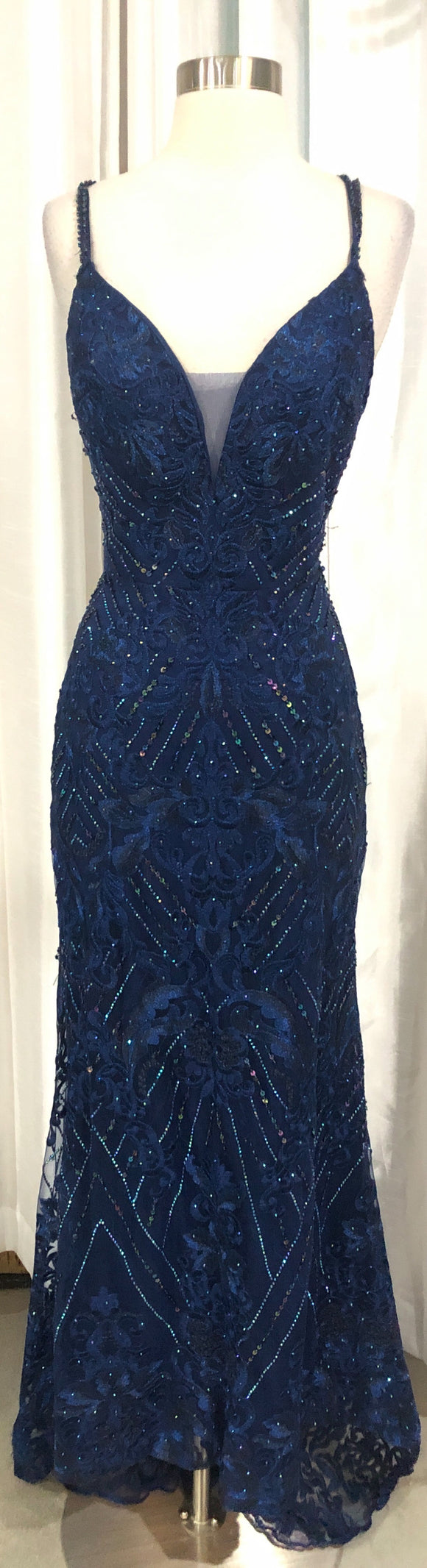 ELLIE WILDE Long Navy Form Fitting Gown Size 10