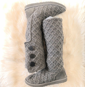 UGG TALL LATTICE CARDY KNIT SWEATER BOOTS SIZE 9