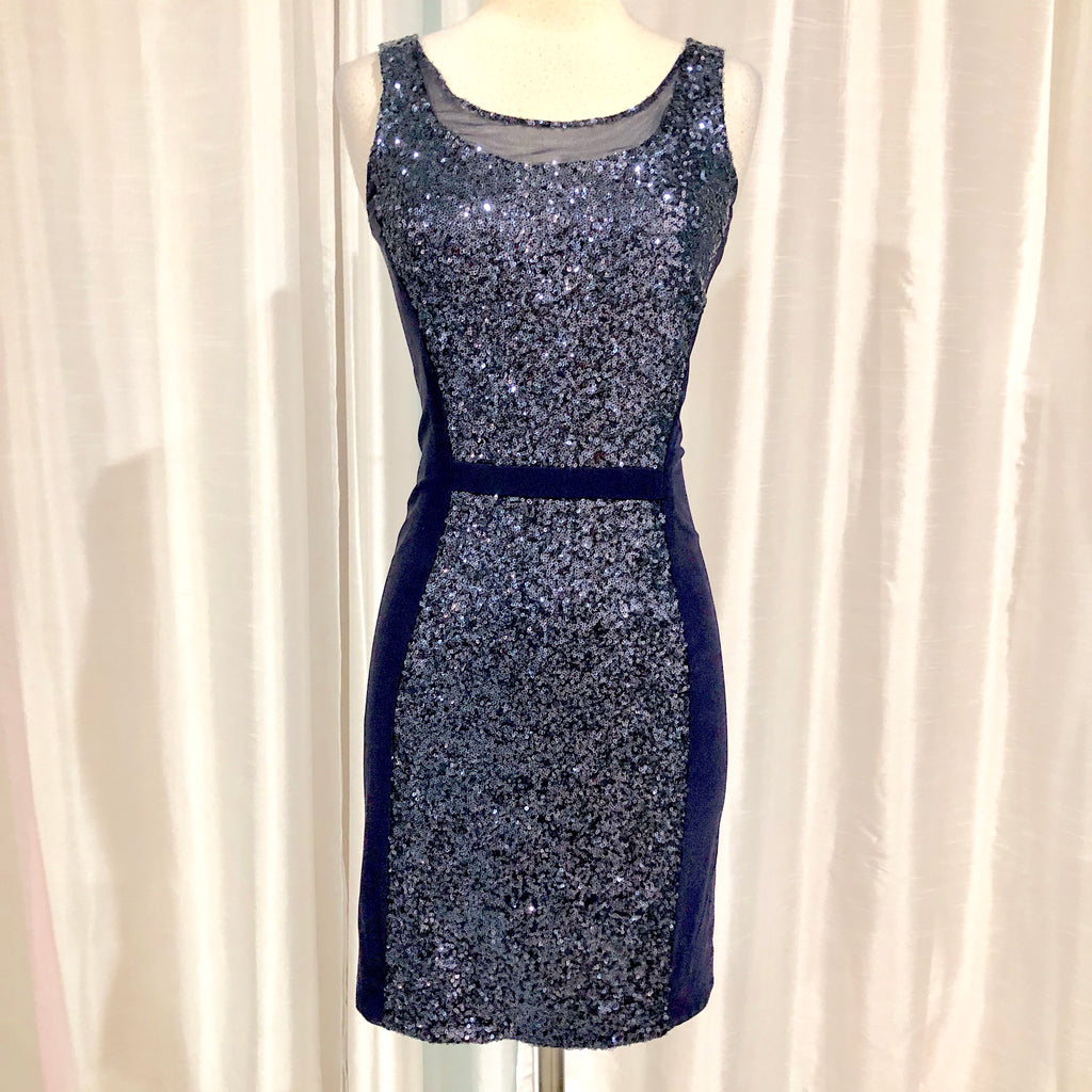 BOUTIQUE Short Navy Form Fitting Gown Size 4