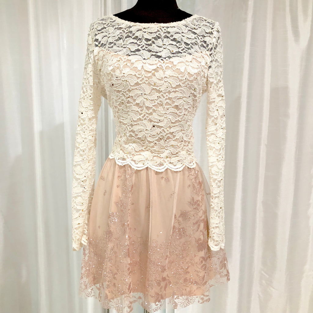BOUTIQUE Short White & Blush Two Piece Gown Size 13/14