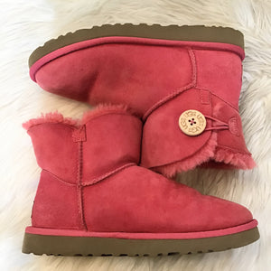 UGG AUSTRALIA PINK BAILEY BUTTON SIZE 7