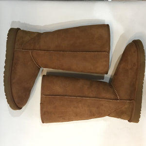 UGG womens classic tall II (Chestnut) - SIZE 8